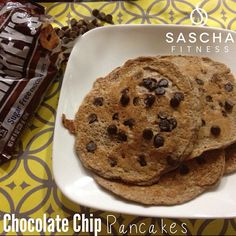 Yummy Pancackes by Saschafitness Sugar Free Chocolate Chips, Chocolate Chip Pancakes, Protein Foods, Protein Recipes, Healthy Recipes, Chocolates, Workout Protein, Low Carb Desserts, Clean Recipes