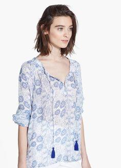Witte bloes met blauwe print - Mango