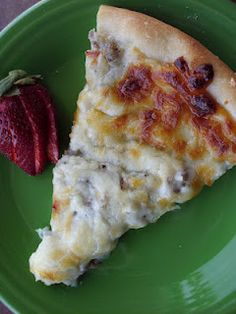 Sausage & Gravy Breakfast Pizza like from elementary school! - im ALWAYS asking my niece to bring me home some of this from school!