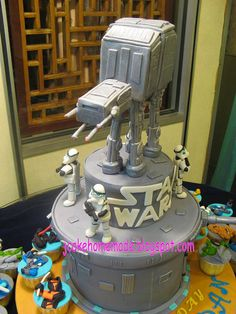 Star war cake and cupcakes by Jcakehomemade, via Flickr
