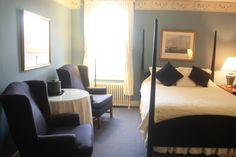 Standard Queen Guestroom in the Main Inn.