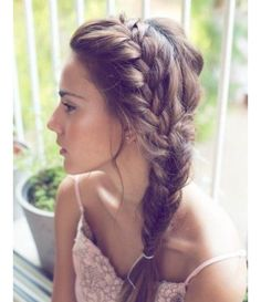 Chic Side Braid Hairstyles Side Braid Hairstyles for Long Hair: So Gorgeous for the Summer Bride!Side Braid Hairstyles for Long Hair: So Gorgeous for the Summer Bride! Side Swept Hairstyles, Pretty Hairstyles, Easy Hairstyles, Hairstyle Ideas, Prom Hairstyles, Updo Hairstyle, Everyday Hairstyles, Fringe Hairstyles, Brunette Hairstyles