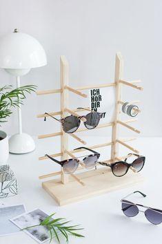 DIY: Build a simple wooden sunglasses display yourself – sensual … Diy Tumblr, Diy Nightstand, Wooden Sunglasses, Diy Presents, Diy Blog, Retro Furniture, Furniture Dolly, Furniture Design, Diy For Kids