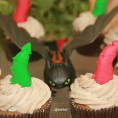 Mais uma festa entregue! Tema: Como treinar seu dragao  #tisefest #comotreinarseudragao #howtotrainyourdragonparty  #dragaobanguela #furiadanoite #dragon #festadeaniversario #festaemcasa #festademenino #festapersonalizada #festadedragao #vikingparty #toothlessdragon #nightfury #soluço #banguela #desenhoanimado