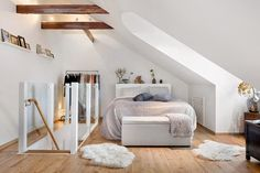 Gorgeous attic bedroom (via Bloglovin.com )