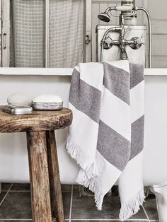 The Little things from Beach & eau: gray ...................