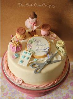 Sewing theme cake - Cake by smitam 8th Birthday Cake, Themed Birthday Cakes, Themed Cakes, Sewing Machine Cake, Sewing Cake, Knitting Cake, Fashionista Cake, Polymer Clay Halloween, Boutique Logo