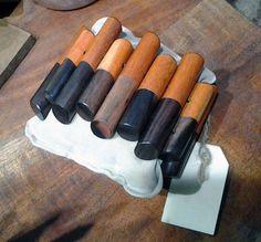 bottoni in legno diventano un bracciale collezione made in To