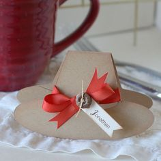 DIY Thanksgiving Table Decor And Inspirations.Martha Stewart inspired Pilgrim hat place cards for Thanksgiving. Thanksgiving Post, Thanksgiving Place Cards, Thanksgiving Decorations, Thanksgiving Projects, Thanksgiving Tablescapes, Thanksgiving Appetizers, Fall Decorations, Seasonal Decor, Fall Crafts