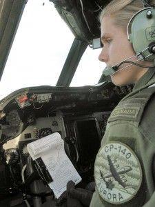 Cool Job Alert: Become A Pilot With The Canadian Armed Forces Armed Forces, Becoming A Pilot, Female Pilot, Job Career, Good Job, How To Become, Aviation, Cool Stuff