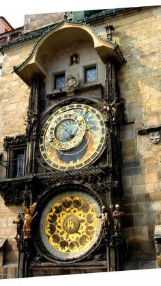 Astronomical Clock in Prague http://createeverydayblog.blogspot.co.il/2013/08/travel-prague-czech-republic.html