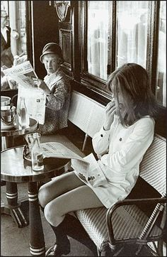 """The elder lady is clearly thinking, """"that young minx forgot to put on pants"""". Brasserie Lipp, Saint-Germain-des-Pres, Paris, 1969 by Henri Cartier-Bresson. Emotional Photography, Candid Photography, Vintage Photography, Street Photography, Fashion Photography, Classic Photography, Urban Photography, Photography Office, Minimalist Photography"""