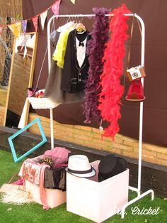 fashion party atrezzo Photocall Fiesta de la moda Sra. Cricket