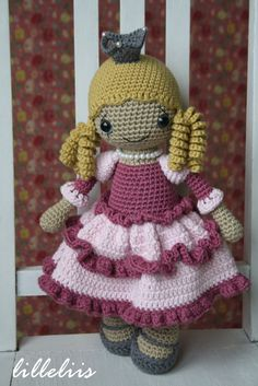 """PATTERN Princess Silvershoe crochet amigurumi por lilleliis"" #Amigurumi #crochet"