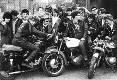 Vintage Motorcycles Ton-up boys at the Ace Cafe, The Vintage Guide To London - Teddy Boys, Estilo Cafe Racer, Cafe Racer Style, Cafe Style, Motorcycle Clubs, Cafe Racer Motorcycle, Women Motorcycle, Motorcycle Quotes, British Motorcycles