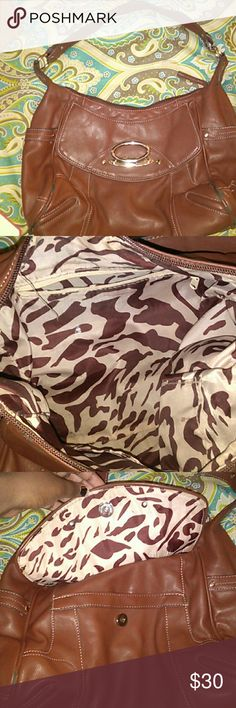 Brown bah brown shoulder bag like new one small scratch on the corner not noticeable ??i trade ?? Bags Shoulder Bags