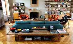 Outstanding smart home decor advice info are available on our website. look at this and you wont be sorry you did. Chaise Eames Dsw, Cute Dorm Rooms, Farmhouse Homes, New Home Designs, Living Room Interior, Smart Home, Living Room Designs, Architecture Design, Houses