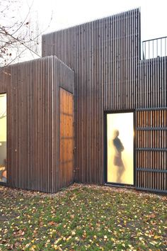 Image 11 of 16 from gallery of Wooden frame house / a + samuel delmas. Courtesy of Frédéric Gémonet Houses Architecture, Residential Architecture, Architecture Details, Larch Cladding, Exterior Cladding, Rainscreen Cladding, Wooden Facade, Small Buildings, Facade Design