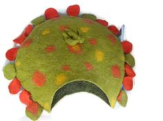 Natural Cat bed /Cat Cave /Wet Felted /Ready to ship