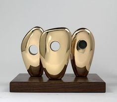 Bronze sculpture 'Three Forms' by Barbara Hepworth, Tokyo. Art Sculpture, Modern Sculpture, Bronze Sculpture, Metal Sculptures, Barbara Hepworth, Artwork Images, Art Object, Art Design, Land Art