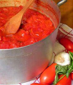La passata di pomodoro fatta in casa: una tradizione salentina   Vizionario