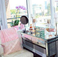 Beauty roomVanity girl hollywood silver broadway mirror with Hayworth Vanity  . Vanity Girl Makeup Desk. Home Design Ideas