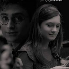 Harry Potter Ginny Weasley, Harry And Ginny, Harry Potter Decor, Harry Potter Ships, Harry Potter Movies, Harry Potter Fandom, Bonnie Wright, Harry Potter Pictures, 3 I