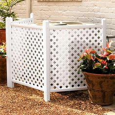Creative Ways to Increase Curb Appeal on A Budget – Camouflage AC Unit With Lattice – Cheap and Easy Ideas for Upgrading Your Front Porch, Landscaping, Driveways, Garage Doors, Brick an… Outdoor Projects, Home Projects, Garden Projects, Air Conditioner Screen, Air Conditioner Cover Outdoor, Lattice Fence, Lattice Screen, House Numbers, Outdoor Living