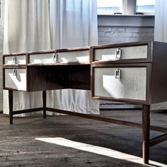 Desk No. 211 - The New Traditionalists Table Furniture, Luxury Furniture, Furniture Design, Modern Console Tables, Modern Sideboard, American Interior, Chinese Furniture, Home Office Desks, Luxury Interior