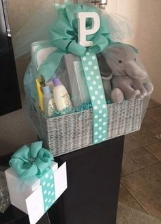 Elephant Baby Gift Basket #babyamazon #babygift #babytoys #babyoutfits Baby Girl Gift Baskets, Baby Gift Box, Baby Shower Gift Basket, Baby Hamper, Diy Baby Gifts, Baby Box, Baby Girl Gifts, Baby Shower Presents, Baby Gift Hampers