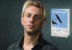 """Anders Hansen möter ofta i sitt yrkesutövande som psykiatriker patienter som tror sig lida av ADHD, så ofta att han till slut beslutade att skriva en bok i ämnet. Det föreligger många missuppfattningar om vad ADHD är menar Anders och han vill med boken """"Fördel ADHD"""" rensa upp bland dem men även ge u"""