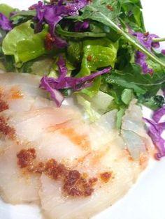 j'ai dégusté ce gravlax ( ou gravelax ou gravad lax ) dans un restaurant en Haute Loire et ça a été un coup de foudre ! Je fais souvent du gravlax de saumon mais avec du cabillaud c'est une vraie découverte et une vraie réussite. Beaucoup moins gras que...