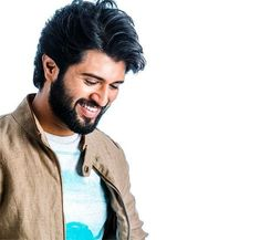 Indian film actor Vijay Sai Deverakonda made his film debut with the romantic comedy movie Nuvvila, directed by Ravi Babu. Upcoming Movies, New Movies, New Background Images, Vijay Actor, Romantic Comedy Movies, Galaxy Pictures, Vijay Devarakonda, Actors Images