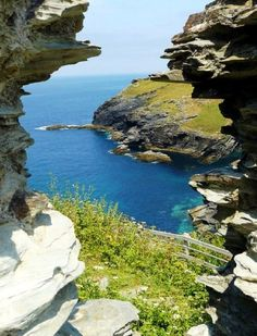 Tintagel, north Cornwall by Gary Hayes Places In Cornwall, Cornwall Coast, North Cornwall, Devon And Cornwall, Cornwall England, Great Places, Places To See, Beautiful Places, Tintagel Cornwall