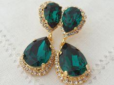 Emerald crystal earrings, Emerald green dark green Chandelier earrings, Bridal earring, Dangle earrings, Drop earrings, Swarovski earrings