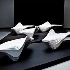 Serac Bench, designed by Zaha Hadid for street furniture brand is made from a resin and quartz composite that gives it a sparkling white colour.this is as much sculpture as it is furniture. Arquitetos Zaha Hadid, Architectes Zaha Hadid, Zaha Hadid Architects, Zaha Hadid Design, Urban Furniture, Street Furniture, Cool Furniture, Furniture Design, Furniture Removal