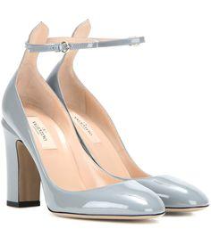 mytheresa.com - Blockheel-Pumps Tan-Go aus Lackleder - Luxury Fashion for Women / Designer clothing, shoes, bags