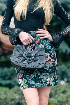 The SCARLET signature Anne Fontaine floral handbag. White Shirts, Scarlet, Designer Dresses, Dior, Dresses For Work, Style Inspiration, Black And White, Lace, Floral