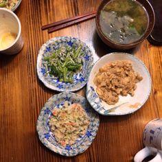 キムチ納豆 青菜の付け出し ワカメ味噌汁 おから - 8件のもぐもぐ - キムチ納豆 青菜の付け出し ワカメ味噌汁 おから by Takumi Tanigawa