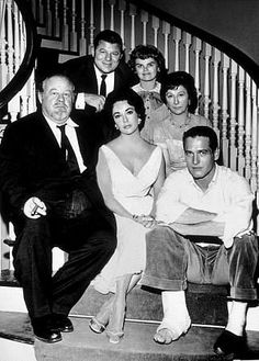 Burl Ives, Elizabeth Taylor, Paul Newman, Jack Carson, Madeleine Sherwood & Judith Anderson in Cat On A Hot Tin Roof 1958 Hooray For Hollywood, Golden Age Of Hollywood, Vintage Hollywood, Hollywood Stars, Classic Hollywood, Elizabeth Taylor, Old Movies, Great Movies, Paul Newman Joanne Woodward
