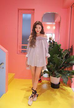 Park Sora - June 07, 2017 1st Set Korea Fashion, Asian Fashion, Daily Fashion, Fashion Beauty, Kpop Fashion, Ulzzang Fashion, Ulzzang Girl, Korean Street Fashion Urban Chic, Fashion Models