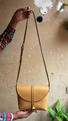 Nude Little Stella, Chiaroscuro, India, Pure Leather, Handbag, Bag, Workshop Made, Leather, Bags, Handmade, Artisanal, Leather Work, Leather Workshop, Fashion, Women's Fashion, Women's Accessories, Accessories, Handcrafted, Made In India, Chiaroscuro Bags - 3