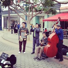 Street performing at it's finest on 3rd Street Promenade in Santa Monica