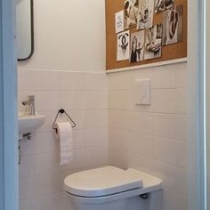 De make-over van onze hal en toilet met verf van Farrow & Ball | Huizedop Hallway Designs, Farrow Ball, Interior Decorating, Decorating Ideas, Home Improvement, Bathroom, Color, Colour Palettes, Little Cottages