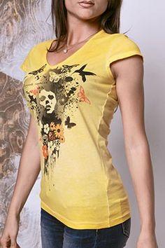 """100% PRODOTTO ITALIANO.  Tshirt Donna Modello Miami in Jersey 100% Cotone Lavaggio tinto capo fade """"Effetto Used Wash"""" Stampa Fantasia a 4 colori viso donna con fiori e farfalle. http://www.danseapache.com/"""