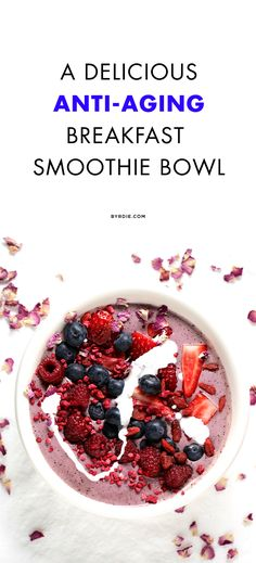 Younger Skin Food Look Younger : 10 Great Anti Aging Drinks For Women Blueberry, banana and rosehip anti-aging smoothie. I have spent over 10 years researching every natural trick in the book that allows women like us to look as if Best Anti Aging, Anti Aging Cream, Anti Aging Supplements, Anti Aging Treatments, Healthy Aging, Aging Backwards, Smoothie Recipes, Smoothie Bowl, Smoothies