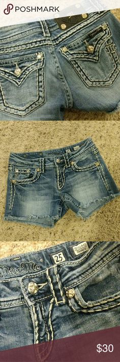 Miss Me shorts Very cute shorts size 25 Miss Me Shorts