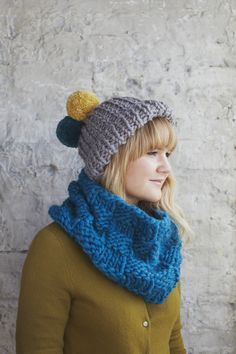 Dandelion Hat in Debbie Bliss Roma. Discover more Patterns by Debbie Bliss at LoveKnitting. The world's largest range of knitting supplies - we stock patterns, yarn, needles and books from all of your favourite brands. Crochet Fall, Knit Or Crochet, Knitting Patterns Free, Free Knitting, Free Pattern, Tweed, Yarn Winder, Beanie, How To Start Knitting