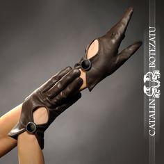 Manusi Femei Gloves, Clothes For Women, My Style, Womens Fashion, Purses, Outerwear Women, Women's Fashion, Woman Fashion, Fashion Women