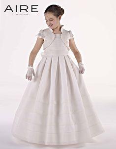 733954073e Las 21 mejores imágenes de vestidos de primera comunion